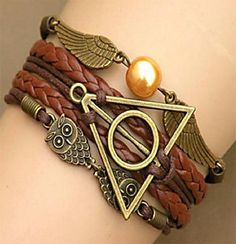 This popular Harry Potter Jewelry Deathly Hallows Charms Bracelet makes a great gift. See our site also for more deathly hallows necklaces.