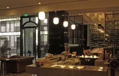 #GongMini and #Bloom suspension fixtures illuminate the restaurant areas of the Crowne Plaza Hotel in Bangalore, India. Interior design by Kumar La Noce architecture; lighting design by Thea Light Works #Prandina #lighting #interiordesign