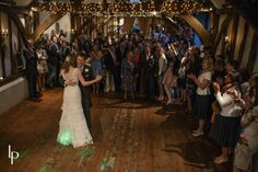 Old Luxters Barn weddings, Oxfordshire   Lesley Pattinson Photography