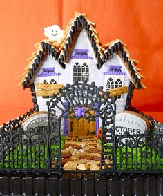 Oh Sugar Events     Halloween gingerbread house
