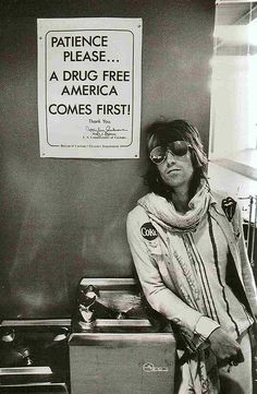keith richards at customs in Seatle - 1972 by o
