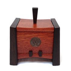 Kovecses Woodworking - Small Keepsake Box Show here is the small Keepsake Box from Kovecses Design. Crafted from Bubinga and Wenge and accented with a Bronze Tree design inlay. This lift off lid box m