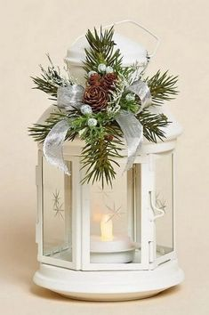 Weihnachten 30 unique Christmas lanterns to make yourself! Christmas Candles, Rustic Christmas, Simple Christmas, Christmas Lights, Christmas Wreaths, Christmas Crafts, Christmas Ornaments, Christmas Ideas, Outdoor Christmas