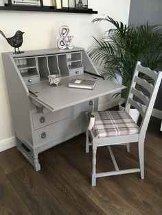 Bureau Painted in Farrow and Ball Manor House Grey Gray Painted Furniture, Grey Furniture, Repurposed Furniture, Furniture Design, Diy Furniture Renovation, Furniture Makeover, Bureau Desk Upcycle, Upcycle Home, Grey Desk