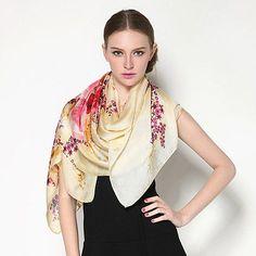 Elegantný-dámsky-hodvábny-šál-s-motívom-ružových-kvetín-2