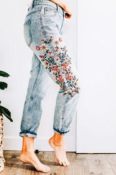 @ quejlaverga /// pantalon con bordado de flores