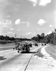 Four-lane highway entering Jacksonville - Jacksonville, Florida 1950 (This reminds me of the road by Cecil Field) Clearwater Florida, Sarasota Florida, Florida Beaches, Vintage Florida, Old Florida, Florida Travel, Sanibel Island, Island Beach, Beach Trip