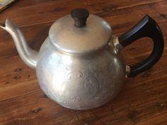 Vintage Aluminium 4 Cup TEAPOT  SWAN BRAND The Carlton ENGLAND Bakelite Handle