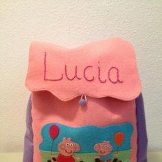 Mochila hecha a mano con fieltro y forrada con tela de algodón, personalizada.