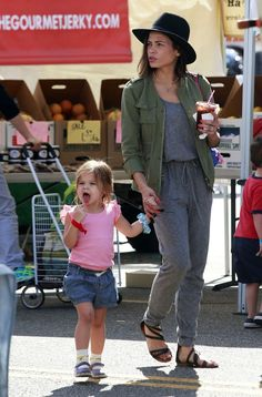 Jenna Dewan Tatum takes her daughter Everly to the farmers market on February 28, 2016