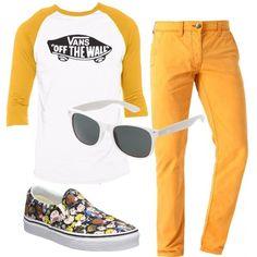 Outfit in stile retrò con una maglietta bicolore, bianca e giallo ocra, che ricorda gli anni '80, abbinata a chino color giallo ottone e occhiali da sole, a trapezio, bianchi. Per ultime le meravigliose slip on Vans a stampa Peanuts.