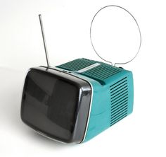 Brionvega algol 11 1964 Marco Zanuso and Richard Sapper (MOMA- Collection) Retro Design, Vintage Designs, Blue Design, Poste Radio, Moma Collection, Portable Tv, Vintage Tv, Retro Futurism, Mid Century Design