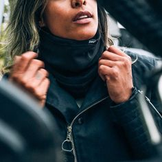 Looking to stay a bit warmer on the commute this week? Check out these Zan SportflexFleece Lined neck warmers. Just a bit of a step up from the classic bandana without looking too technical. Also available in solid black.