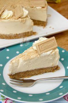 No-Bake Caramac Cheesecake! Caramac Cupcakes, Caramac Cheesecake, Perfect Cheesecake Recipe, Cheesecake Recipes, Biscoff Recipes, Baking Recipes, No Bake Desserts, Dessert Recipes, Janes Patisserie