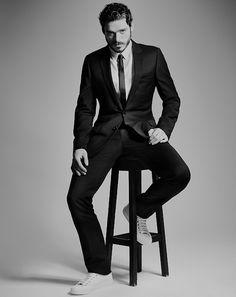 richard madden existing is a thirst trap: Photo Richard Madden Shirtless, Scottish Man, Men Photoshoot, Sartorialist, Attractive Men, Prince Charming, Beautiful Men, Gentleman, Hot Guys