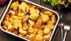 Are curious to know how to make a baked potato in the oven, yeah you are in the write place. If you search for the variety potato in United States, you may get end up with A root veggie which is well liked by everyone. Making Baked Potatoes, Stuffed Baked Potatoes, Roasted Potatoes, National Potato Day, Happy Potato, Nutrition Data, Peeling Potatoes, Potato Recipes, No Cook Meals