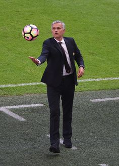 Manager of Manchester United Jose Mourinho catches the ball during The FA…