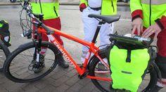 Helsingissä on kokeiltu ensi kertaa ensihoitajien polkupyöriä. Tarkoitus on tarjota ambulanssitasoista apua aiempaa nopeammin suurissa yleisötapahtumissa. Pienemmissä kaupungeissa polkupyöristä ambulanssin korvikkeena ei innostuta.