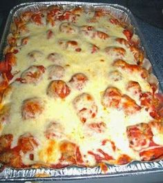 Ingredients : Loaf of French bread or ours* Butter or margarine 1/2 teaspoon garlic salt 8 oz of cream cheese, softened to room-temperature 2 tablespoons mayonnaise 1/2 teaspoon of Italian seasoning 1 pound of frozen, fully cooked, thawed Italian meatballs (NOTE: it