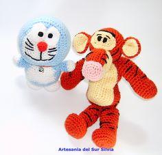 Doraemon y Tigger  (ver en tienda desde mi blog)
