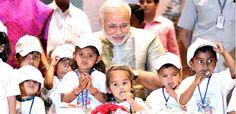 नयी दिल्ली:प्रधानमंत्री नरेन्द्र मोदी ने 16 अक्तूबर कोकहा कि सूचना का अधिकार केवल जानकारी प्राप्त करने के अधिकार तक सीमित नहीं रहना चाहिए बल्कि इसे प्रत्येक नागरिक को सत्ता में बैठे लोगों से सवाल करने की ताकत देनी चाहिए । उन्होंने साथ ही इस बात पर भी जोर दिया कि लोगों को समयबद्ध तरीके से
