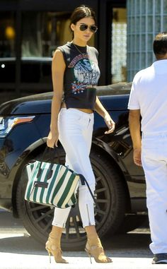 Kendall Jenner struts her stuff and looks flawless!