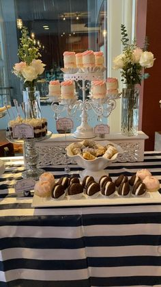 Bridal Shower Desserts, Dessert Bar Wedding, Wedding Desserts, Wedding Decorations, Table Decorations, 21 Party, 8 September, Pizza Cake, Dessert Table Decor