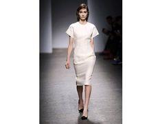 #mfw #milanofashionweek #milanomodadonna N*21 di Alessandro Dell'Acqua www.moda-madeinitaly.com Milano Fashion Week, White Dress, Dresses For Work