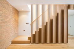 Neil Tomlinson Architects has won the GOLD Award for Residential Interiors at the London Design Awards 2019 for its Princes Mews project. Timber Staircase, Oak Stairs, House Stairs, Stair Banister, Stair Railing Design, Mews House, Modern Stairs, Design Awards, Home Deco