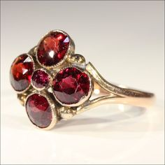 Charming Antique Victorian Garnet Ring in 9k Gold