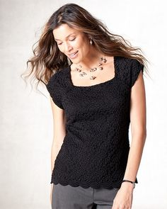 Scalloped lace top Black