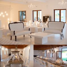 White Wedding Furniture, Queen Anne Couch, White Coffee Table, Raw Wooden  Tables,
