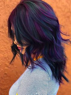 11 Fall Hair Color Trends That Are Going to Be Huge This Year bruns courts femme homme mi long de cheveux color ideas women Violet Hair Colors, Fall Hair Colors, Hair Color Purple, Purple Hair Highlights, Indigo Hair Color, Deep Purple Hair, Midnight Blue Hair, Fall Hair Trends, Undercut Designs