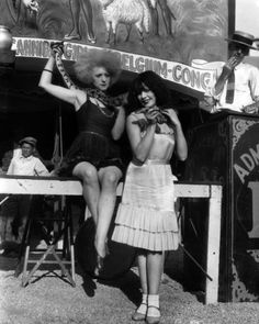 #circus #carnival #girls #ladies #snake #1920s #20s #photography #vintage
