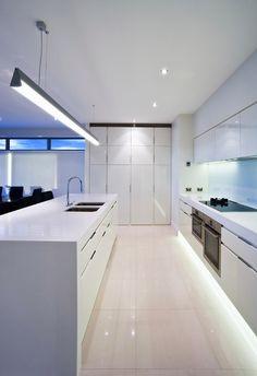 Diseño moderno cocina en diferentes casas en venta de Guayaquil Cocinas  Kitchen 7651da2e7942
