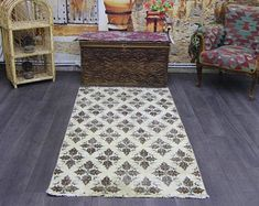 turkish rug oushak rug vintage rug turkey by turkishrugempire Aztec Rug, Vintage Rugs, Turkey, Turkey Country