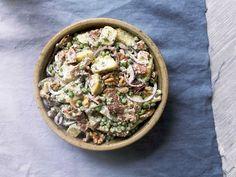 Chelsea's Famous Kumara And Bacon Salad - Chelseawinter. Kumara Salad, Potato Salad With Egg, Bacon Salad, Cooking Recipes, Healthy Recipes, Easy Recipes, Vegetarian Recipes, New Cookbooks, Winter Food