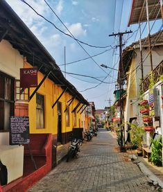 Burgher Street, Fort Kochi Kochi, Cochin India, Bright Art, Kerala Tourism, Marvel Wallpaper, Incredible India, Pune, Dutch, Beautiful Places