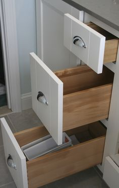 Waypoint Cabinetry in White with Top Knobs pulls in chrome. #RhodeIslandBathroom #cypressdesignco