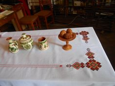 my best embroidered tablecloth Tablecloth Sizes, Linen Tablecloth, Handmade Table, Table Covers, Cottage Chic, White Cotton, Hand Embroidery, Ethnic, Table Settings