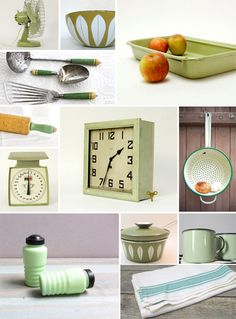 I absolutely love vintage kitchen wares. Nice collection from mint.
