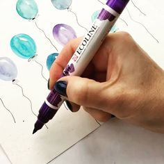 It's National Handwriting Day!Pick up a pen and celebrate! #kellyletters PEN: Ecoline brush pen @royaltalens