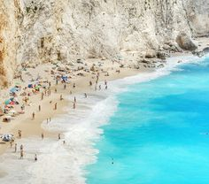 The beaches in Greece are so beautiful.