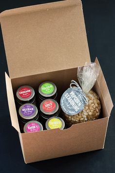 RECIPE: Popcorn Seasoning Kit   http://adventures-in-making.com/recipe-popcorn-seasoning-kit/