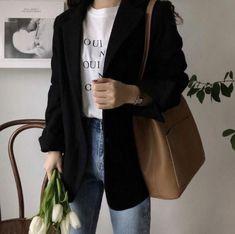Korean Girl Fashion, Korean Fashion Trends, Ulzzang Fashion, Korean Street Fashion, Asian Fashion, Look Fashion, Korean Fashion School, Korea Fashion, Indie Fashion