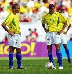 * Brasil / 2002 - Ronaldo Fenômeno(9) e Rivaldo(10).