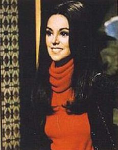 That Girl- Marlo Thomas Fashion Tv, Girl Fashion, That Girl Tv Show, Marlo Thomas, Angels Beauty, Online Photo Gallery, Daddys Little Girls, Old Tv Shows, Little Girl Hairstyles