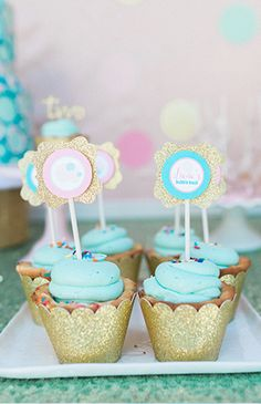 Bubble Birthday Party - Inspired by This Bubble Birthday Parties, Baby Birthday, Birthday Bash, Birthday Party Decorations, Birthday Ideas, Bubble Bash, Kids Bubbles, Sparkle Party, Party Cakes