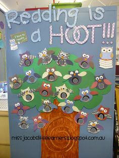 Classroom Library Owl Theme: Little Learners-1st Grade is a HOOT, bulletin board, beginning of the school year.