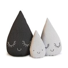 Could make a doorstop like this - La Famille Goutte 1920 Chunky Crochet, Rain Drops, Sewing For Kids, Softies, Baby Toys, Little Ones, Baby Shower Gifts, Kids Room, Sewing Projects